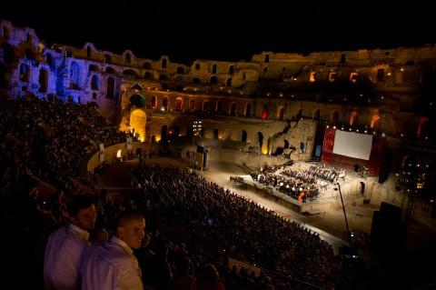 Concerto dell'Orchestra Sinfonica di Roma presso il Colosseo di El Jem diretta dal Maestro Francesco La Vecchia - photo Antonio Tirocchi