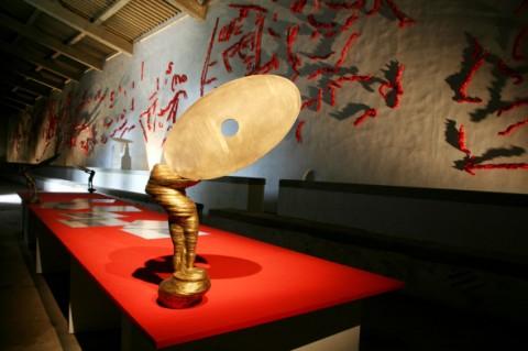 Marco Bagnoli - Araba Fenice - veduta della mostra presso la Limonaia grande del Giardino di Boboli, Firenze 2013 - photo Carlo Cantini