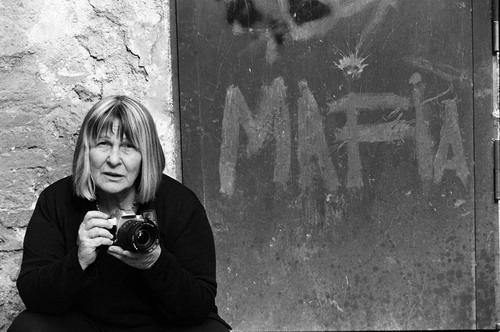Letizia Battaglia nel documentario Amore Amaro