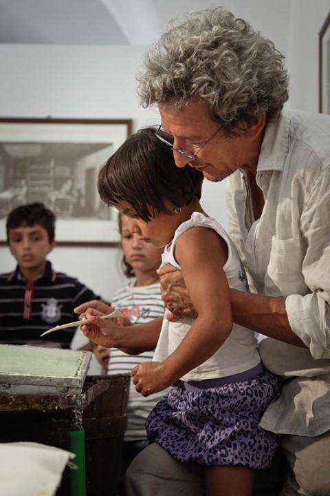 E-Straordinario for kids - Mario Airò con i bambini del laboratorio