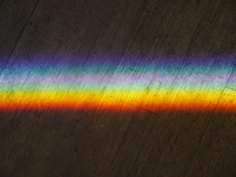 L'arcobaleno disegnato da Irwin sul pavimento di Villa Panza
