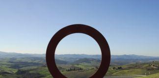 Mauro Staccioli, un'installazione a Volterra