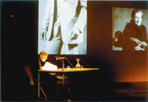 "Rainer Ganahl, S/L: Linda Nochlin, Glory and Misery of Pornography, colloquium ""fémininmasculin,"" Les Revues Parlées, Centre Georges Pompidou, Parigi 2/2/1996, 1996 Generali Foundation © Rainer Ganahl"