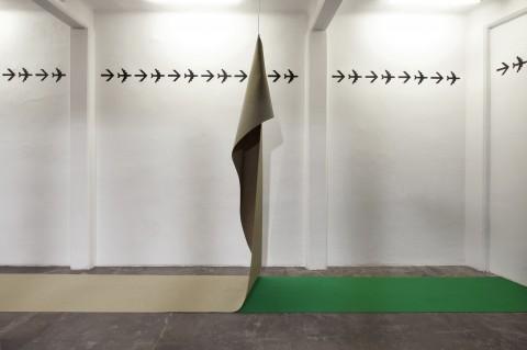 Riccardo Benassi - Techno Casa - veduta della mostra presso Marsèlleria, Milano 2013 - photo Carola Merello
