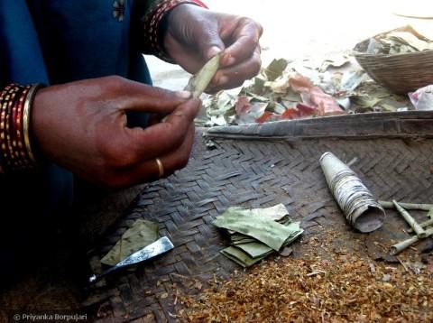La preparazione dei beedi - photo Priyanka Borpujari