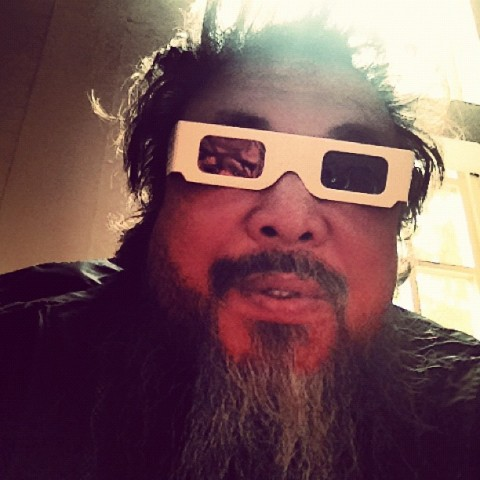 Uno dei tantissimi selfie di Ai Weiwei
