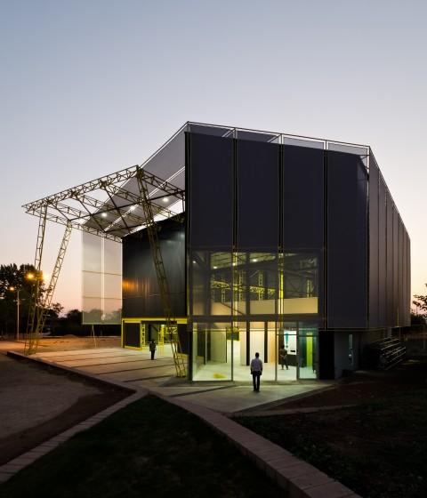 DX Arquitectos, Acrobatic Arts Centre, Santiago del Cile - photo Pablo Blanco Barros