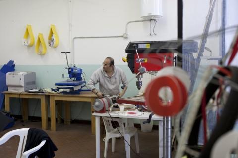 Laboratorio Artwo-Arte Utile, reparto G8 Rebibbia - photo Massimo Dinonno