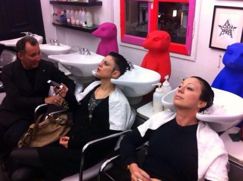 Intervistare il Cracking Art Group durante uno shampoo