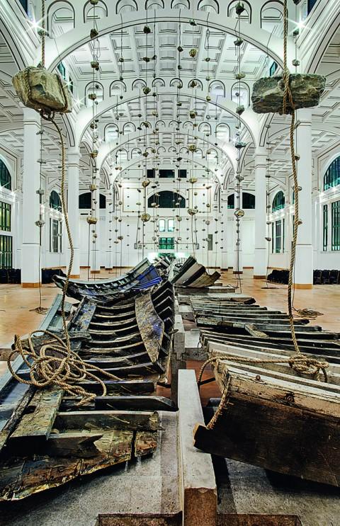 Jannis Kounellis - Salone degli Incanti - Ex Pescheria, Trieste - photo Manolis Baboussis - Domus, settembre 2013