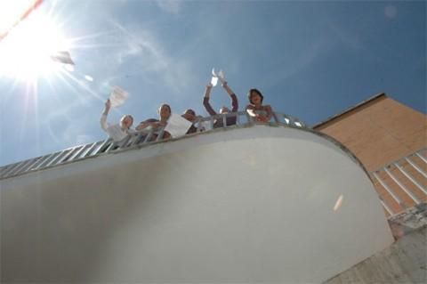 Tania Bruguera, azione con gli studenti in occasione della mostra Processo a Giordano Bruno. Per un santo patrono della memoria politica, MLAC – Museo Laboratorio di Arte Contemporanea, Roma 2007