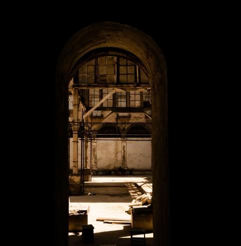 Il chiostro di Santa Caterina a Formiello, Napoli