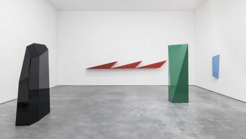 John McCracken - Works from 1963-2011 - veduta della mostra presso David Zwirner, New York 2013