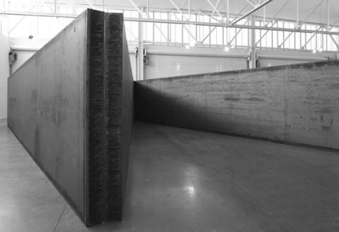 Ricard Serra, 7 Plates 5 Angles, 2013 - courtesy Gagosian Gallery