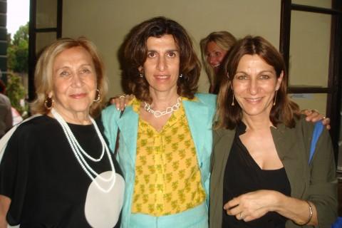 Marilena Bonomo con le due figlie Valentina e Alessandra