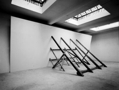 David Lamelas, Falling Wall