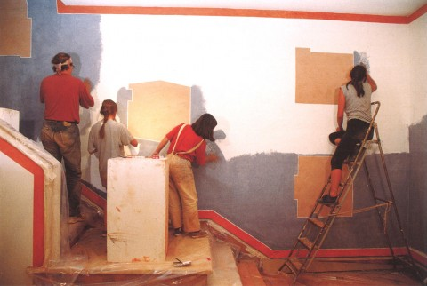 David Tremlett with assistants, Obidon, Portugal, 1993, courtesy the artist and Ikon