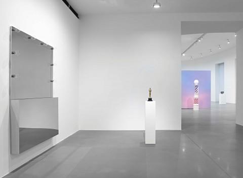 Alex Israel e Kathryn Andrews - veduta della mostra presso la Gagosian Gallery, Roma 2014 - photo Matteo D'Eletto