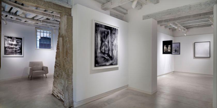 Hour-Glass. Laura de Santillana e Alessandro Diaz de Santillana - veduta della mostra presso Marignana Arte, Venezia 2014