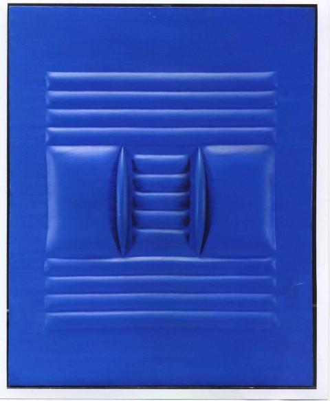 Agostino Bonalumi: blu, 1964, 100x80 cm, tela estroflessa e tempera vinilica, coll. privata