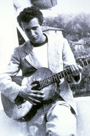 Luciano Berio nel 1946, Oneglia. Archivio eredi Berio.