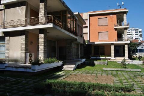 La villa di Henver Hoxha, a Tirana
