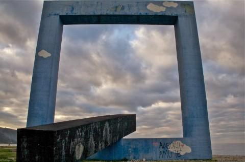 Tano Festa, Monumento per un Poeta Morto, 1989 - Fiumara d'Arte