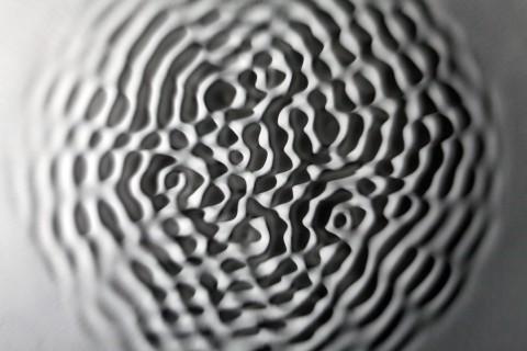 Loris Cecchini - Wallvawe vibration_ears particle tingles - 2012 - ph Ugo Dalla Porta