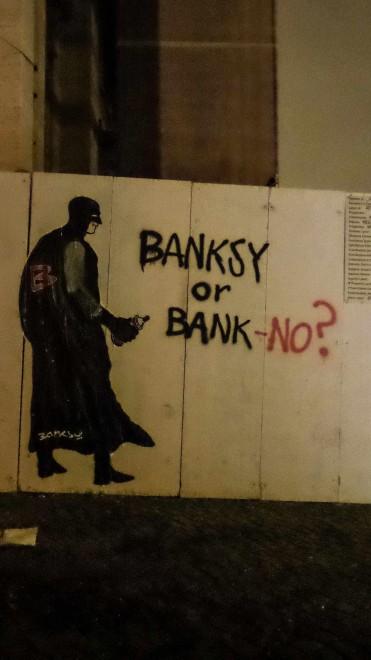 Mauro Pallotta in versione Banksy, a Roma