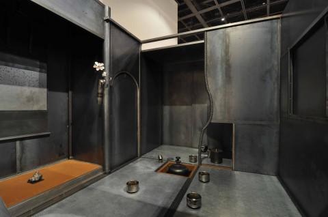 Tomohiro Kato, TETTEI, 2012, Steel and stainless steel, Courtesy of Taro Okamoto Museum of Art, Tokyo