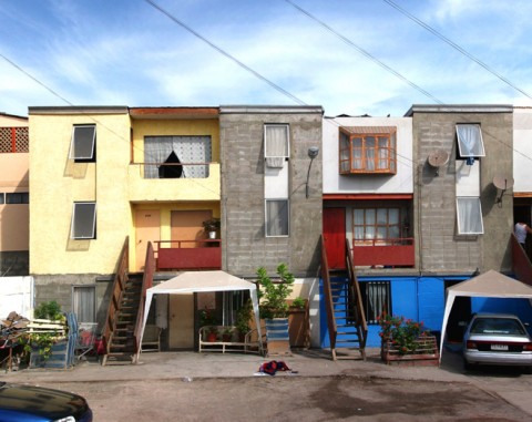 Resorption of a bidonville of 100 families, Alejandro Aravena, Elemental Iquique, Chile, 2004 © Elemental Chile