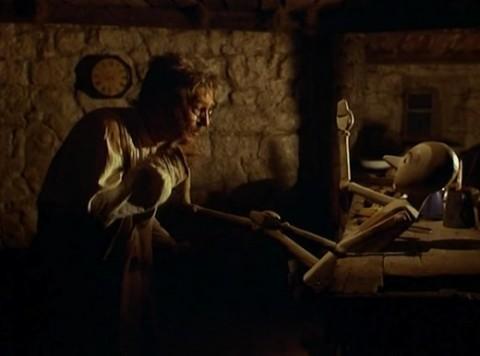 Nino Manfredi-Geppetto ne Le avventure di Pinocchio (Luigi Comencini 1972)