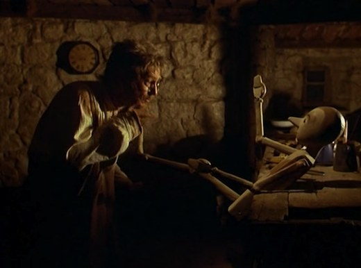Nino Manfredi Geppetto ne Le avventure di Pinocchio (Luigi Comencini 1972)