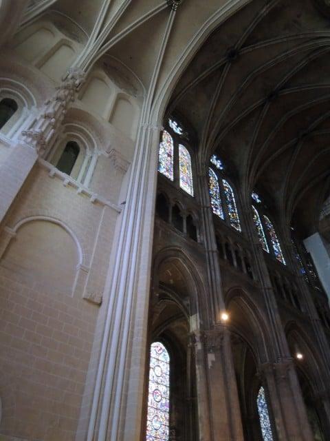 Restauri alla cattedrale di Chartres