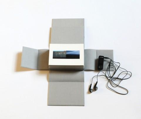 Giuseppe Mendolia Calella, Anecoica, 2013, cofanetto di 20 fotografie, traccia sonora su mp3, 15.5 x 16 x 6 cm, n. 13 Courtesy the artist