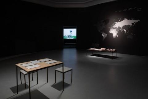 Slow Future – veduta della mostra presso il Centro d'arte Contemporanea Ujazdowski Castle, Varsavia 2014