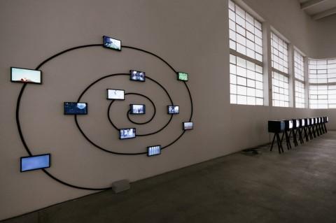 Masbedo - Todestriebe - veduta della mostra presso la Fondazione Merz, Torino 2014 - photo Andrea Guermani