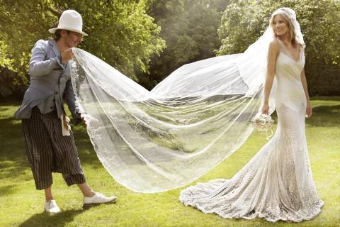 Kate Moss in Jhon Galliano, nel giorno delle nozze - foto Mario Testino per Vogue US, settembre 2011