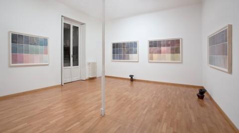 Marco Basta, Rainy Days, 2012, veduta della mostra, Monica De Cardenas Milano, foto Andrea Rossetti. Courtesy Galleria Monica De Cardenas Milano : Zuoz