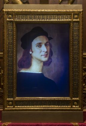 Francesco Vezzoli, SelfPortrait As A Selfportrait (After Raffaello Sanzio) - Vezzoli Primavera-Estate. Museo di Casa Martelli , Firenze - photo Alessandro Ciampi - Courtesy Fondazione Pitti Discovery, in occasione di Firenze Hometown of Fashion