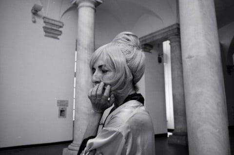 exvUoto teatro, Toccata e Fuga per Coniglio Solo, performance per Teoremi, Museo di Villa Croce, Genova, 2014. Courtesy CUNTemporary _ Archivio Queer Italia