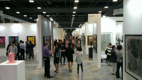 Visitatori, Singapore art fair 2014 (foto Chiara Cecutta)