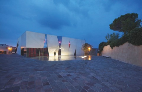 Turato Architects, Sport Hall, 2013