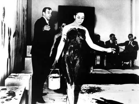 Yves Klein - la performance del 9 marzo del 1960, a Parigi