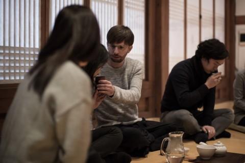 Valerio Rocco Orlando, Darye, 2014 - performance all'Art Sonje Center, Seoul - photo Soohoon Kang