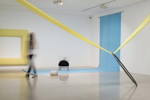 Jenni Tischer – Pin – veduta della mostra presso il Mumok, Vienna 2014