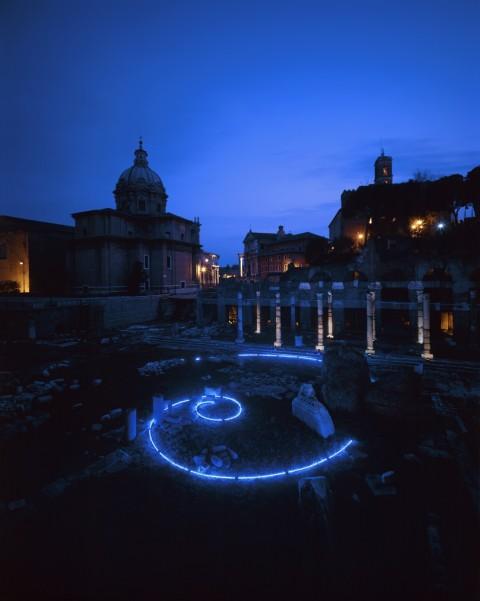 La Spirale di Mario Merz al Foro di Cesare fotografata da Claudio Abate, 2003