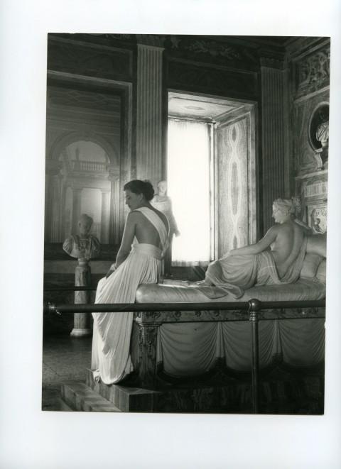 Modello Sorelle Botti, foto Pasquale De Antonis, 1947