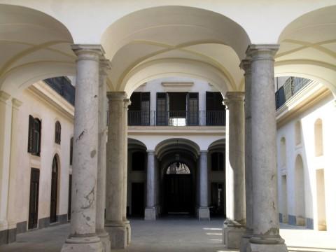 Palazzo Riso, corte interna - AFR, foto Fabio Sgroi