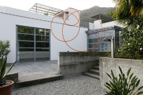 Felice Varini, Un cerchio giù e due su, Agra, 2008, © Courtesy Buchmann Galerie Agra-Lugano and the artist; foto Ares Pedroli